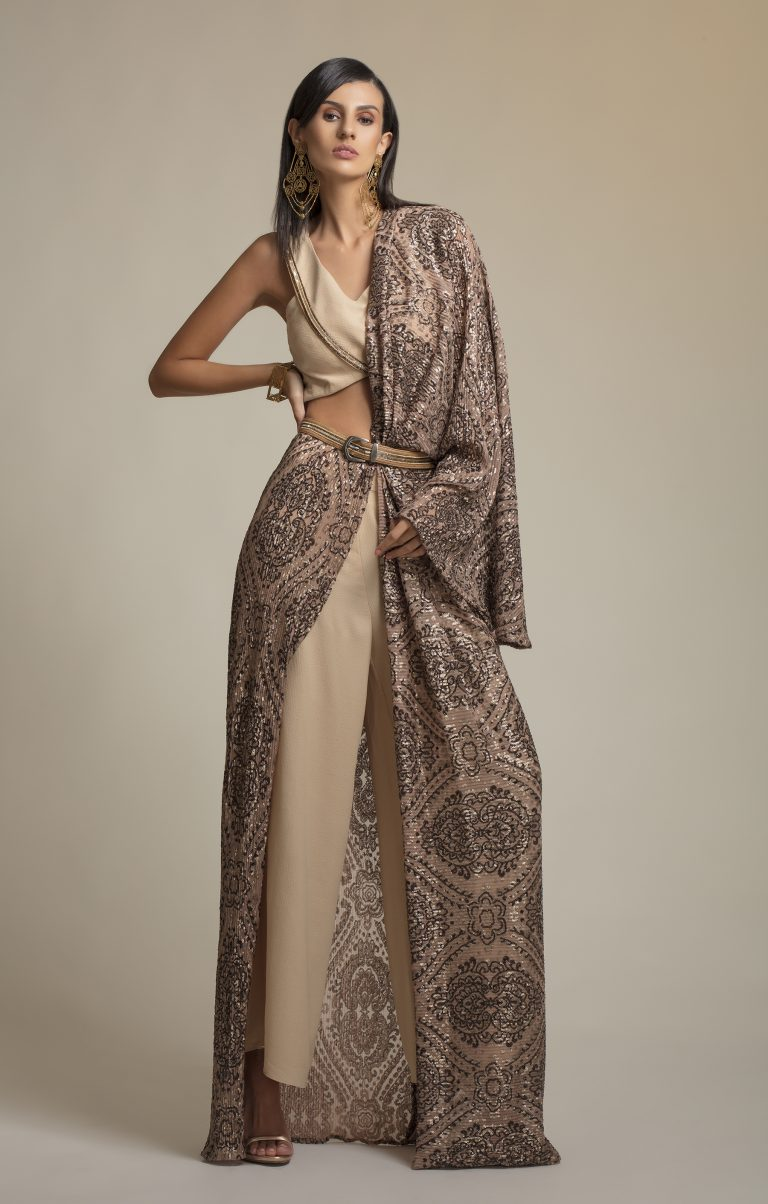 Buckle Belt Sequin Embroidered Pre-Stitched Saree4